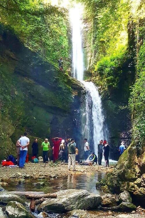 یک ماجراجویی تا آبشار دوقلو دارنو نوشهر