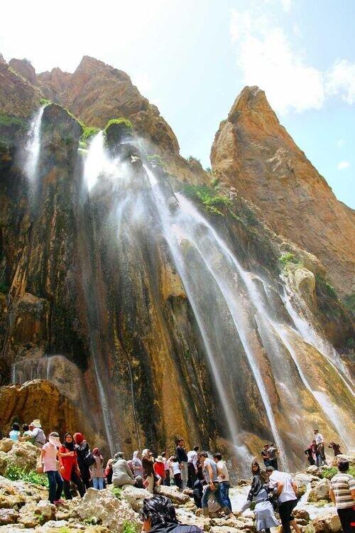 آبشارشاهاندشت ویژه تعطیل رسمی