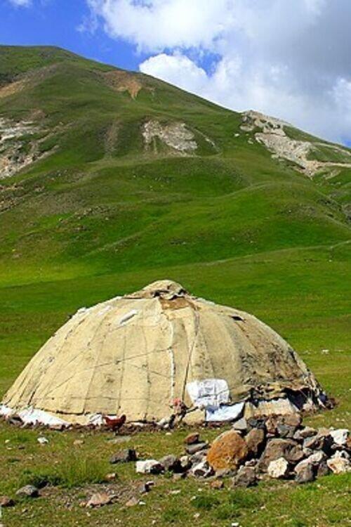 زندگی به سبک عشایر و ارسباران، قلعه بابک، کلیبر